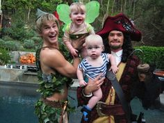 Perfect family, perfect costumes!! (Neil Patrick Harris, partner and ADORABLE BABIES)