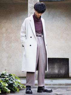 冬に明るい色の服って良い。 ----スタイリングポイント---- ダブルのチェスターコートを主役にし