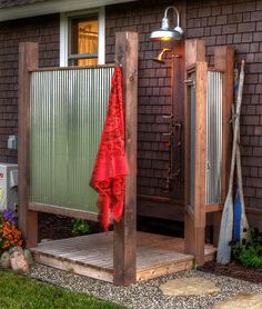 Simple, rustic outdoor shower but gets the job done! Simple, rustic outdoor shower but gets the job done! Simple, rustic outdoor shower but gets the job done! Outdoor Baths, Outdoor Bathrooms, Outdoor Rooms, Outdoor Living, Outdoor Decor, Rustic Outdoor, Outdoor Kitchens, Country Bathrooms, Outdoor Life