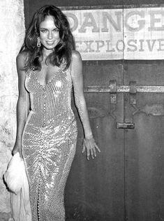 by ? / catherine bach Dukes Of Hazard, Catherine Bach, Daisey Dukes, Photo Star, Cinema Tv, Foto Pose, Vintage Hollywood, Beautiful Celebrities, Beautiful Women