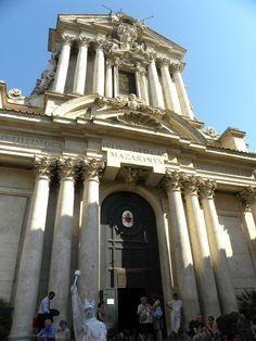 Santi Vincenzo e Anastasio, fachada, Roma 1646-50. Por Longhi el joven.