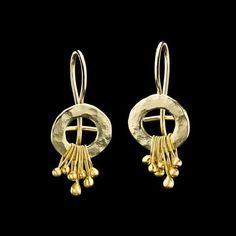 Gold Dangle Earrings Delicate18K Gold Hammerd di GoldArtJewelry