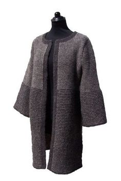 Hjelholts Uldspinderi - Dansk pelsud 8/2 garn - designs/modeller Crochet Cardigan, Knit Or Crochet, Sweater Cardigan, Knitted Coat, Holiday Sweater, Knit Fashion, Boho Chic, Knitwear, Knitting Patterns