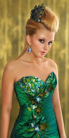 omg this was THE prom dress I wanted two years ago and it was sold out of all the stores.