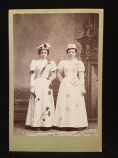 Cabinet-Photo-Women-Of-Brookfield-MO-Costumes-Butterfly-Flowers