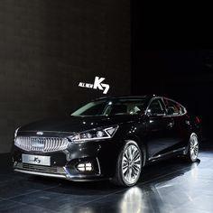 #차별화 된 고급스러운 #디자인 으로 #준대형 시장에 새 바람을 일으킬 #기아자동차 의 #ALL_NEW_K7 #출시 되었습니다!  ALL NEW K7 ( #Cadenza ) with a #luxurious and #differentiated #design that will bring a #new #sensation to #semi_large #car #market is launched!  #KIA_motors #black #motor #elegant #launch #release #open #exterior #daily #기아차 #자동차 #공개 #외부 #자동차그램
