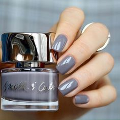 Mid-week mani inspiration from @papchenkoolya: rocking Smith & Cult's Nail Lacquer in 'Stockholm Syndrome'. Click the link in our bio to shop! ⠀⠀⠀ ⠀  #SmithandCult #Manicure #GreyNails #NailPolish #NailArt #Bbloggers #CultBeauty