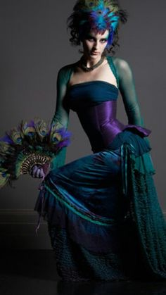 Stunning Outfit ♥ Love the rich colours and fabulous matching Fan♥