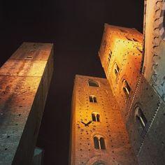 Towers #albenga #torri #liguria #instagood #instaphoto #igersitalia #photooftheday #italy #igersalbenga #tower