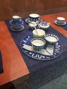 Hermes dining set