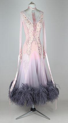 Lihgt pink haze | EM couture