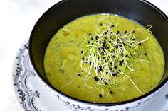 Muschi de porc cu piure de mazare si sos de piper verde - CAIETUL CU RETETE Soup, Ethnic Recipes, Vegans, Soups