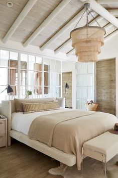 When it comes to bed designs, it doesn't get more versatile than a low platform bed. Browse these 28 gorgeous bedrooms to discover unique ways to style a low platform bed. Coastal Bedrooms, Modern Bedroom, Master Bedroom, Bedroom Bed, Bed Room, Bedroom Decor, Low Platform Bed, Apartment Decoration, White Washed Oak