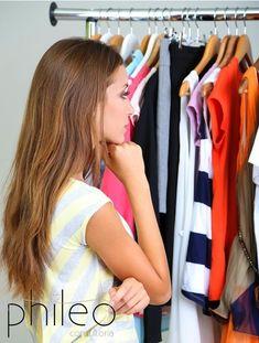 Quanto tempo você gasta diariamente pensando em qual roupa vestir?  Se você gasta mais do que 30 minutos e não consegue decidir nada, ATENÇÃO!! Bem provável que você esteja precisando de uma organização no closet, gastar um tempinho a mais montando uns looks (horarios de folgas!), e muito pouco provável esteja precisando de roupas novas!!! Você precisa é de uma Consultoria de Imagem! Contrate já: febe.phileoconsultoria@gmail.com