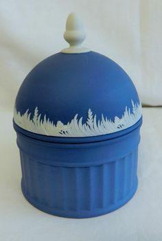 Wedgwood England Dark Portland Blue White Acorn Finial Lidded Ribbed Box. 4 inches tall not including finial.