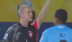 23 Shameless Soccer Flops And Fails - Pop Culture Gallery Wtf Funny, Funny Jokes, Hilarious, Soccer Problems, Sports Gif, Funny Insults, Fail Video, Soccer Quotes, The Force Is Strong