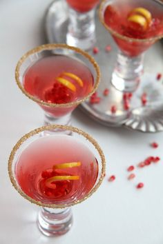 Metallic Gold cocktail rimming sugar, a colorful sugar garnish that makes glasses sparkle even in candlelight. By Dell Cove Spice Co., http://www.dellcovespices.com