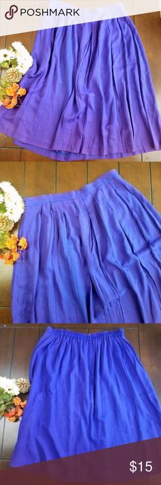 Jessica Howard Pleated Skirt Let this pleated full skirt be the newest addition to your closet. Availble pre-love, no holes, no tears, no stains. 69% Rayon 31% Acetate. Jessica Howard Skirts
