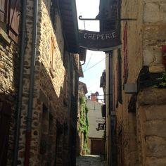 Les ruelles medievales du vieux Billom, Auvergne, Puy de dôme, France.