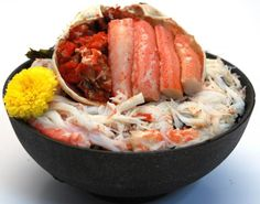 Local specialty of Ishikawa prefecture, Japan. Rare crab bowl of only take of female snow crab. カニの外子も内子をたっぷりと使った石川県のご当地料理。