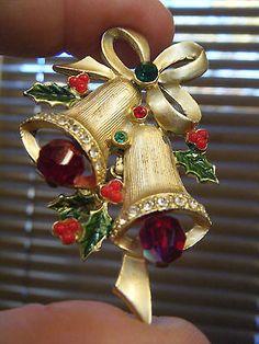 VINTAGE RED CRYSTALS & RHINESTONE CHRISTMAS BELLS PIN OR BROOCH
