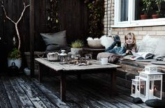 Create an extra living room in the garden