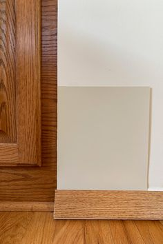 Paint Colors for Honey Oak Trim & Cabinets - Six Light Beiges from Sherwin-Williams Stained Wood Trim, Oak Wood Trim, Beige Paint Colors, Wall Paint Colors, Neutral Paint, Honey Oak Cabinets, Beige Cabinets, Paint For Kitchen Walls, Kitchen Redo