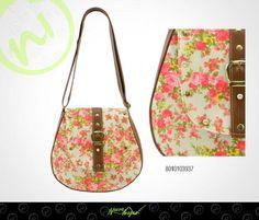 ¿Qué te parece esta bolsa con estampado floral? De tamaño ideal para llevarla a todas partes. ;)