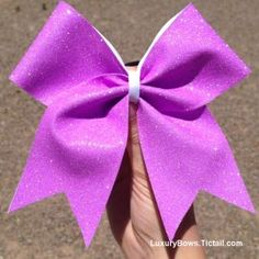 using heat transer GLITTER to make this darling bow! Cheerleading Hair Bows, Cheer Bows, Glitter Heat Transfer Vinyl, Glitter Vinyl, How To Make Glitter, How To Make Hair, Bow Design, Glitter Hair, Making Hair Bows