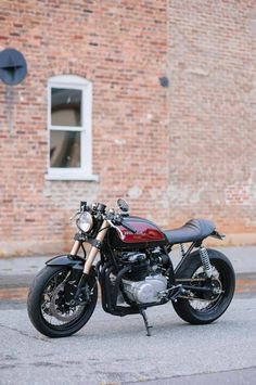 RocketGarage Cafe Racer: CB550 Cafe Racer