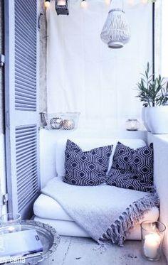 Egy kisebb kanapéféleséget is ki tudunk alakítani, bármilyen kicsi a hely.