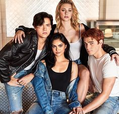 Cole Sprouse (Jughead Jones), Camila Mendes (Veronica Lodge), Lili Reinhart (Betty Cooper), and KJ Apa (Archie Andrews) - Riverdale Betty Cooper, Kj Apa Riverdale, Riverdale Memes, Riverdale Aesthetic, Riverdale Netflix, Riverdale Funny, Cast Of Riverdale, Riverdale Tumblr, Riverdale Poster