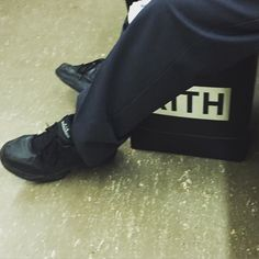 Clean fits.  Air Monarchs 2.5/10 blue postal service pants. and a crisp new KITH bag on the subway.  @ronniefieg x @nike Air Monarch collab in the works?  #nike #ronniefieg #kith #kithset #kithnyc #airmonarch #sneakers #cleanfit #kotd #kickoftheday #runnergang #cellphonerunners #thecamp0ut #thewordonthefeet #kingoftrainers #nicekicks #HypeBeast #highsnobiety by julianhooligan7