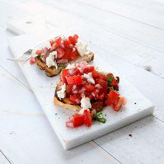 Jordgubbs- och tomatbruschetta | Recept | ViktVäktarna
