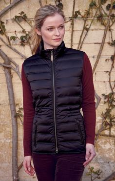 This smart Schoffel gilet has an ethically sourced down fill and is made from 100% polyester and down proof fabric. It also features two fleece lined front zipped pockets which will keep your hands warm on those cold days.  #Schoffel #Gilet #Chelsea #CountryClothing #Country