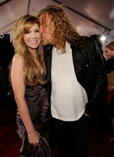 Alison Krauss and Robert Plant #oddcouples http://www.pinterest.com/TheHitman14/odd-couples-%2B/