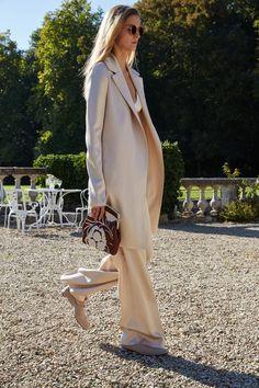 Mary-Kate & Ashley Olsen rocken Paris! | what to wear