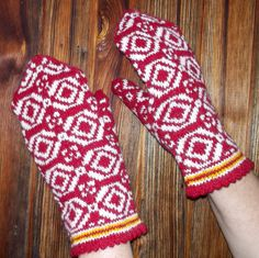 hand knited wool warm red white by peonijahandmadeshop on Etsy, $45.50
