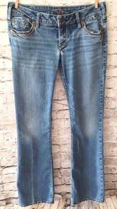 """Silver Brand 'Pioneer' Jeans Size 30 / 31"""" Flap Pockets Distressed Faded Wash  #SilverJeans #BootCut #Distressed #Pioneer #Womens #Denim #Destroyed"""