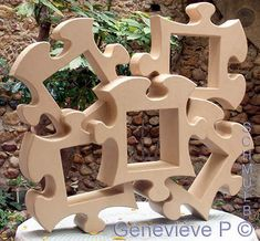 shelves shaped cardboard puzzle. Expert level, training course. Not free
