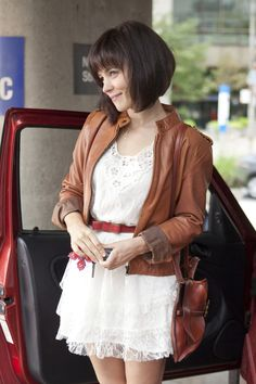 Love Rachel McAdam's hair in The Vow! But couldn't do it to mine lol