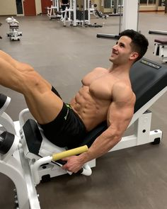 Image may contain: 1 person Muscle Boy, Muscle Hunks, Muscle Fitness, Mens Fitness, Clean Shaven, Gym Tank Tops, Gorgeous Body, Athletic Men, Shirtless Men