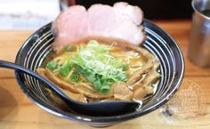 【吹田-グルメ】行列必至の大阪を代表する人気ラーメン店!鶏青湯と鶏白湯の絶品スープで味わう絶品ラーメンのお店「極麺 青二犀(ごくめん あおにさい)」さん