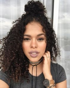 Uhair top quality brazilian virgin hair kinky curly 4 bundles with lace frontal,Factory direct sales 100 natural human hair extensions Curly Hair Tips, Long Curly Hair, Curly Hair Styles, Natural Hair Styles, Kinky Curly Wigs, Human Hair Wigs, Curly Lace Front Wigs, Lace Wigs, Cool Hairstyles For Girls