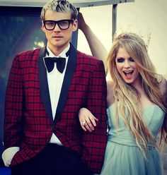 Here's To Never Growing Up Video Shoot - avril-lavigne Photo