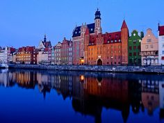 Early morning in Gdansk, Poland (by frans.sellies)