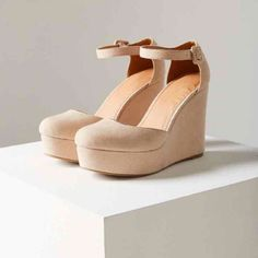 e041bcf4247f Urban Outfitters Suede Platform Wedges - Size 9 Wedding Dress Accessories