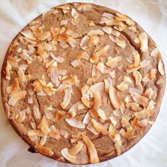 Banankake med kokos og kanel   Nittedal Ernæring Apple Pie, Baking, Desserts, Food, Tailgate Desserts, Deserts, Bakken, Essen, Postres