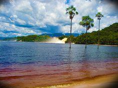 Laguna de Canaima.   (Para mas información acerca de este tour clickea la foto).- (For more information about this tour click the photo).- :)