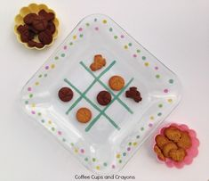 DIY Tic Tac Toe Snack Plate with sharpies or tape! Yes! Play with your food.